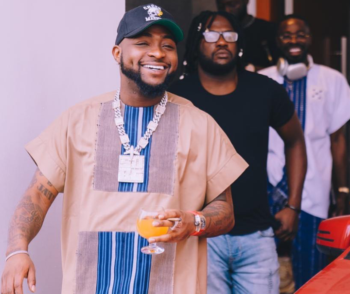 Davido hits the streets of Onitsha as actor, Zubby Michael clears the road for him (Video)